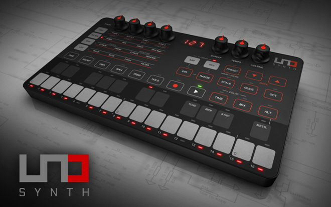 IK Multimedia UNO Synth Synthesizer